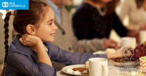 SOSdinner tuo ihmiset yhteisen pöydän ääreen lasten hyväksi